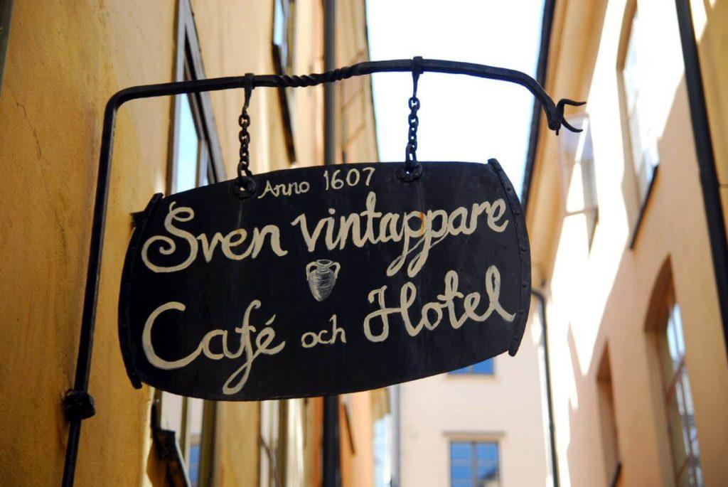Hinweisschild Hotel Sven Vintappare