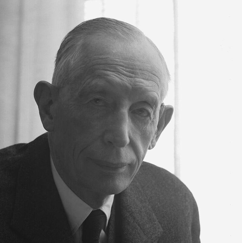 Dr. Ruben Rausing