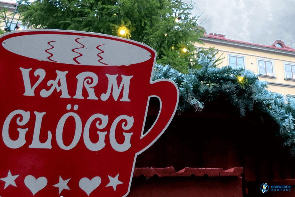 Weihnachtsmarktstand mit Glögg
