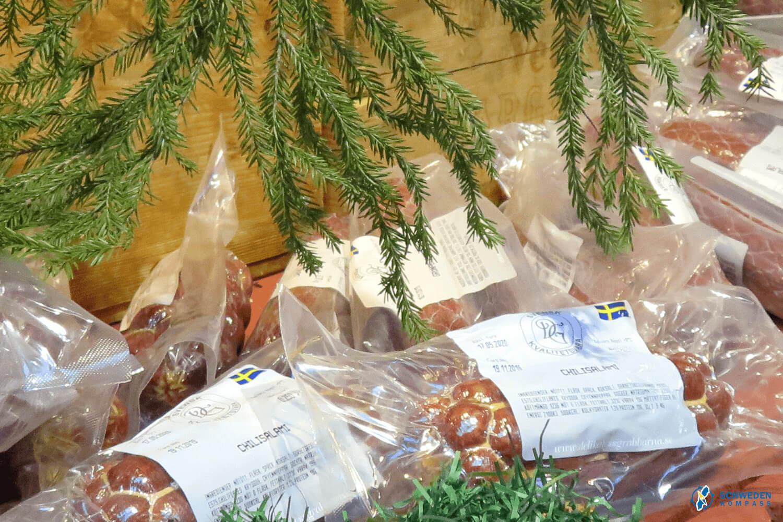 Wurstwaren auf dem Weihnachtsmarkt
